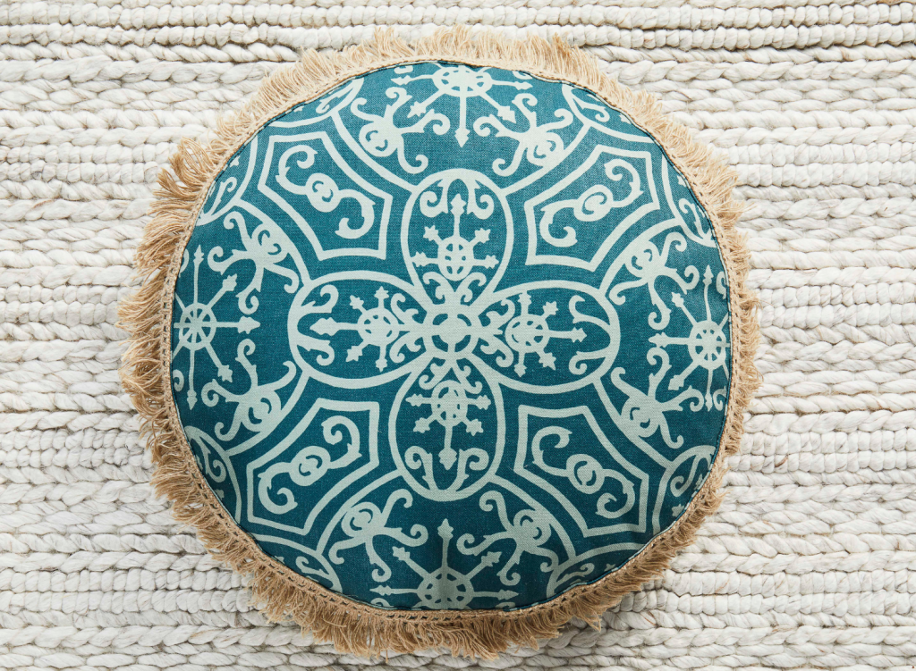 Round cushion in Spanish Plate, Forest